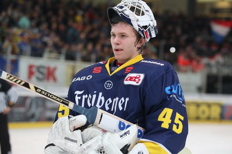 Tobias Ancicka konnte bei der Niederlage in Heilbronn niemand ein Vorwurf machen. Er zeigte viele starke Paraden und war bei drei Unterzahl-Gegentoren chancenlos, beim vierten war er nicht auf dem Eis.