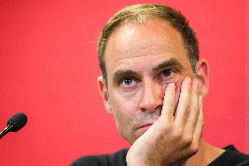 Vorstandschef Oliver Mintzlaff will den wirtschaftlichen Totalschaden verhindern.