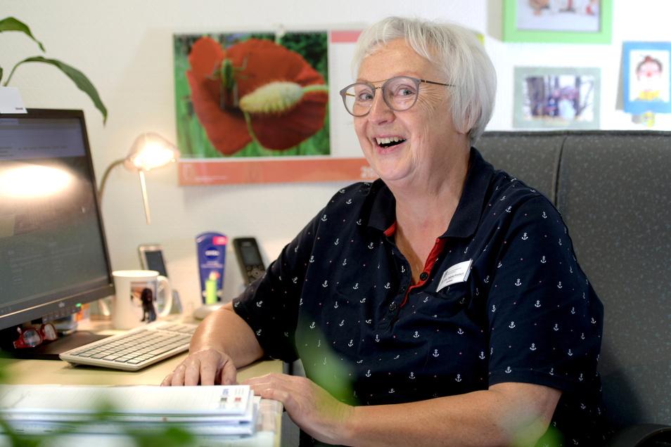 Eine Frau die gern lacht und für das Lachen ihrer Patienten kämpft: Sabine Hiekisch, Chefärztin für Kinder- und Jugendpsychiatrie. Nach 40 Jahren im Fachkrankenhaus geht sie nun in den Ruhestand.
