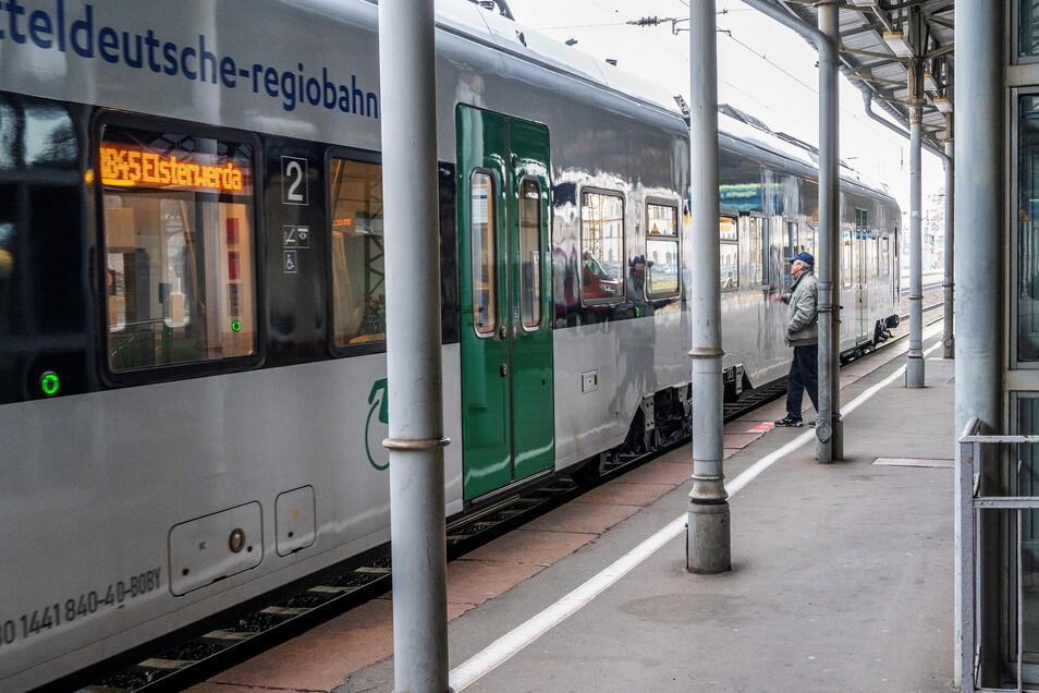 Die Züge der Mitteldeutschen Regioban (MRB) kommen im April teilweise später in Riesa an.