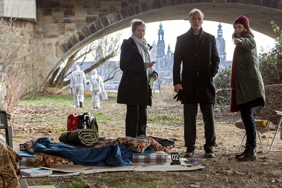 Mord unter der Marienbrücke: Die beiden Dresdner Kommissarinnen Winkler und Gorniak und ihr Chef Schnabel ermitteln mal wieder vorm Canalettoblick.