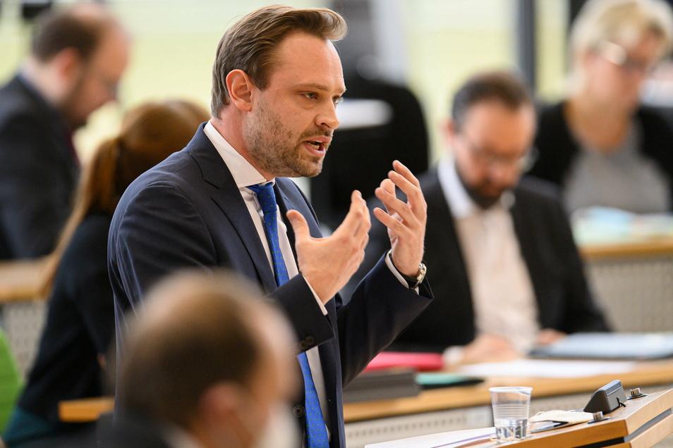 """Die sächsische CDU """"spielt auf Sieg"""", sagt Generalsekretär Alexander Dierks mit Blick auf die Bundestagswahl. Foto: dpa/R. Michael"""