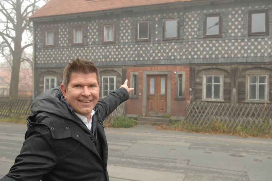 Da stand das Umgebindehaus noch in Neugersdorf an der Käthe-Kollwitz-Straße nahe des Bahnhofs und Thomas Mix war voller Vorfreude auf sein ungewöhnliches Umzugsprojekt.