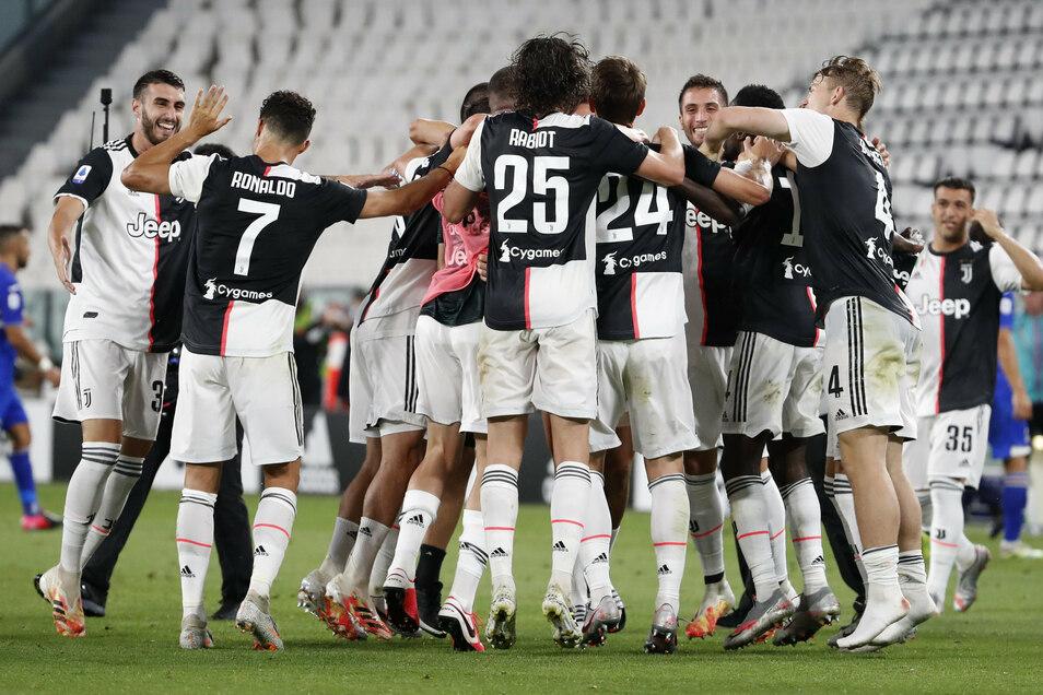 Gähn: Juventus' Spieler bejubelten vor einigen Tagen den Gewinn der italienischen Meisterschaft - wie in den Jahren zuvor.