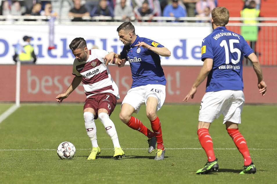 Gefühlt einer weniger. Auch Niklas Kreuzer hat der Kieler Spielfreude, aus der dann Dominanz wird, nur wenig entgegenzusetzen.