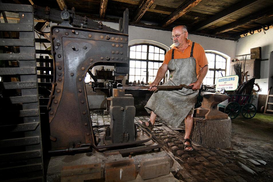 Im Museum in Littdorf wird nicht nur der Schmiedehammer zu erleben sein, sondern wahrscheinlich auch ein Schmiedefeuer lodern.