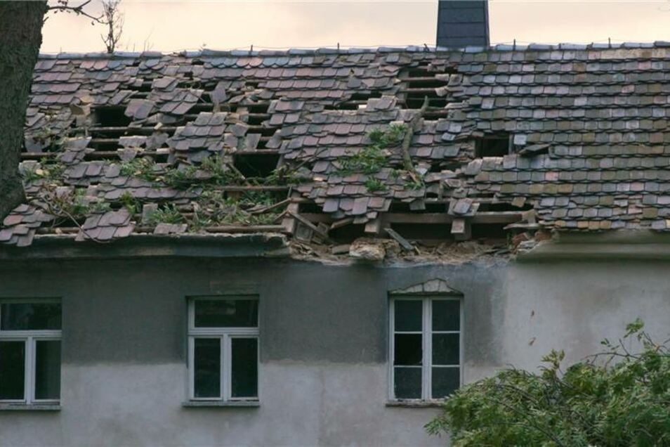 Der Dachstuhl wurde erheblich beschädigt.