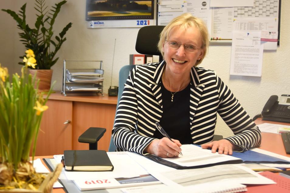 Kathrin Gessel, die neue Bürgermeisterin von Steinigtwolmsdorf, ist seit 1. April im Amt.