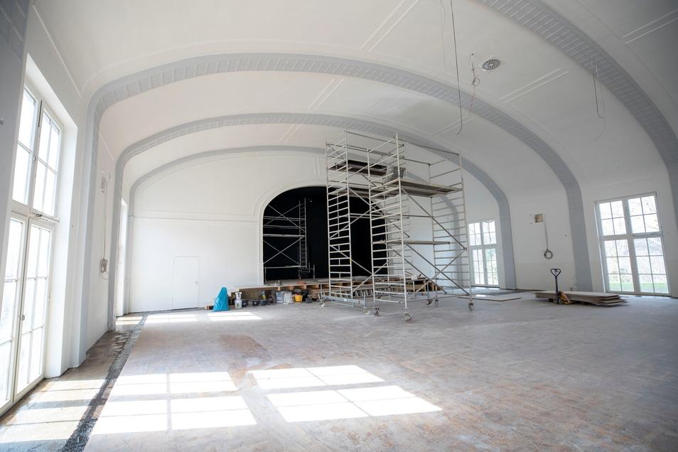 So etwas gibt es nicht oft: Der große Saal auf der Burg Dohna. Anfang Oktober soll er fertig und zur Geburtstagsfeier des Vereins eingeweiht werden.