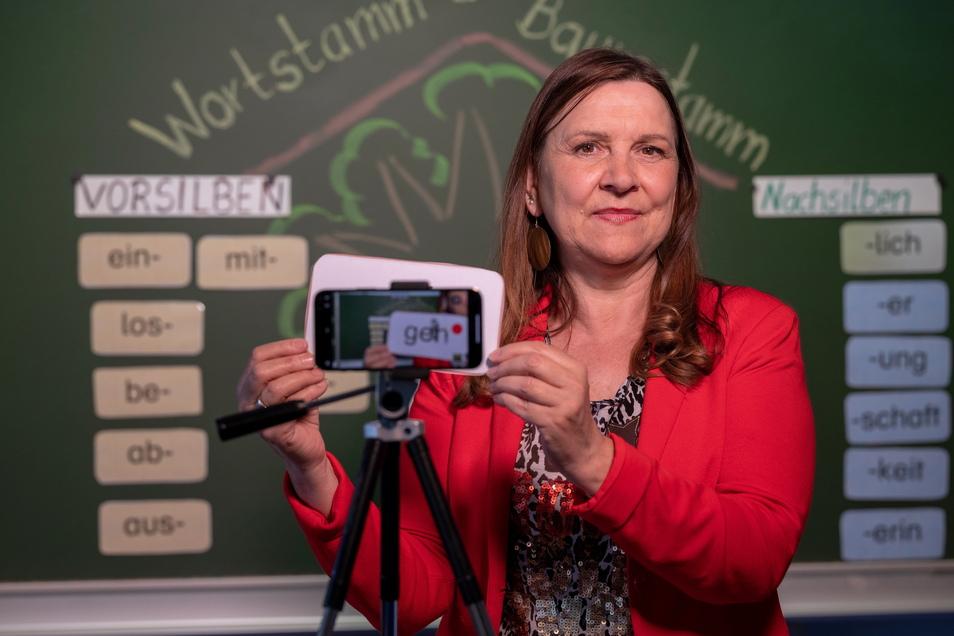 Ines Kutzner macht Unterricht auf Youtube - eine von vielen Wegen, wie kreative Lehrkräfte ihre Schüler während des Lockdowns unterstützt haben.