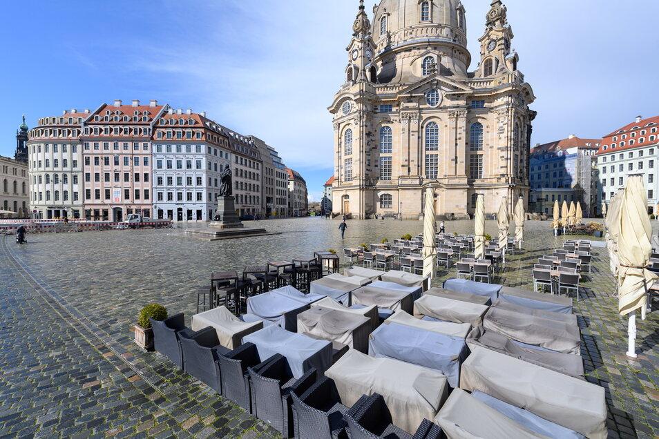 Dresdner Gastronomen hoffen darauf, dass bald die Wocheninzidenz von 100 unterschritten wird. Dann dürften sie ihre Außenbereiche öffnen.