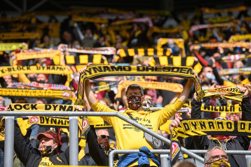 Die Fans dürfen am Samstag gegen Ingolstadt wieder ins Stadion.