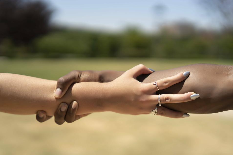 Es gibt unterschiedliche Hautfarben, Augenformen, Haare – aber keine menschlichen Rassen.