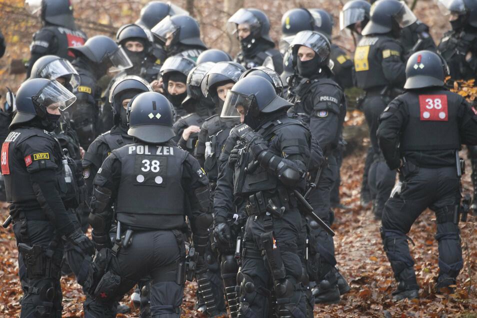 Polizisten bestätigen rassistische, antisemitische und islamfeindliche Tendenzen bei einigen ihrer Kollegen.