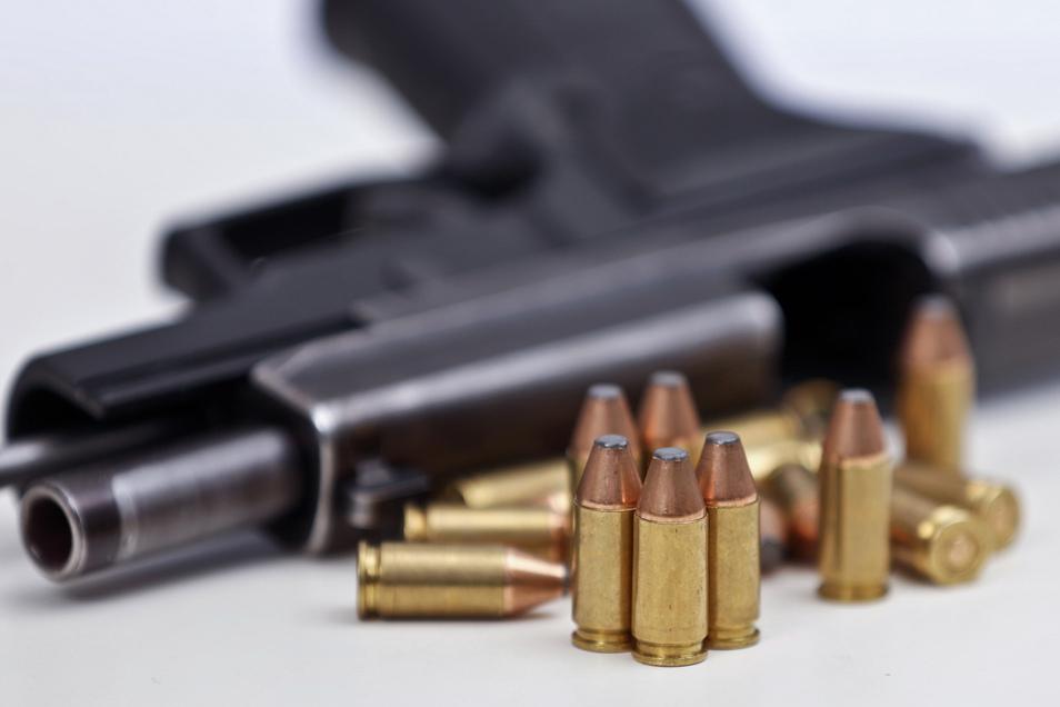 Der Besitz einer Schusswaffe soll für Menschen in Tschechien zum Grundrecht werden. Damit geht das Land auf Abstand zu Plänen der EU, die das Waffenrecht eher verschärfen will.