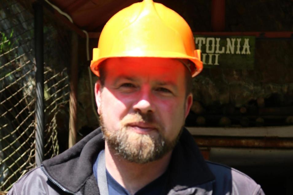 """Lukasz Kazek (40) ist Journalist und befasst sich seit Jahren mit der Geschichte des Projekts """"Riese""""."""