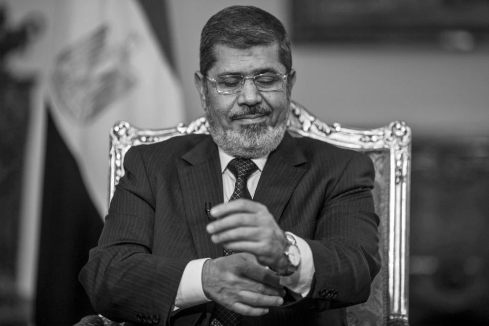 Der frühere ägyptische Präsident Mohammed Mursi ist tot. Das berichtete das staatliche ägyptische Fernsehen.