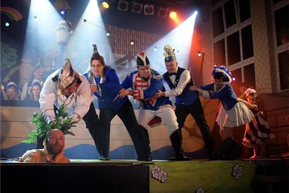 Die abgewandelte Geschichte von der Rübe zeigte der Carnevalsclub der Muldenschiffer.