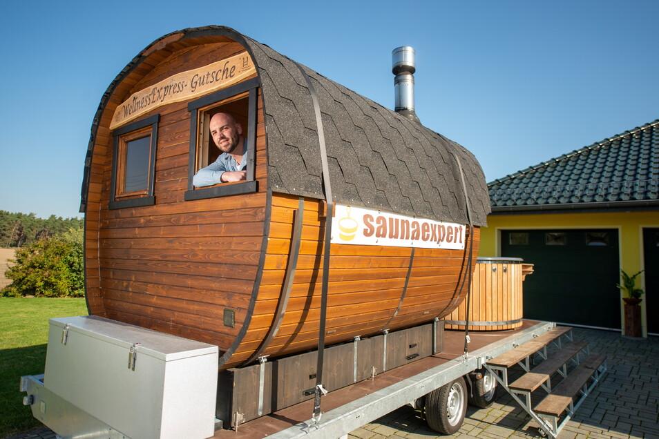 Einer der Betreiber der mobilen Sauna, Matthias Held.
