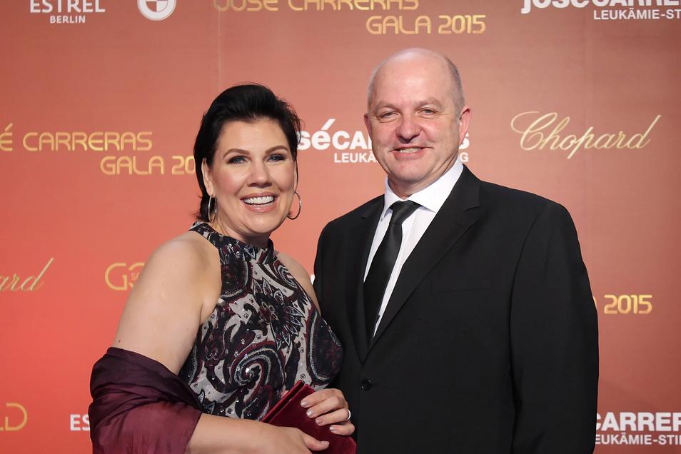 Bei der Jose-Carreras- Spenden-Gala 2015 in Berlin war für GPG-Gründer Charles Smethurst und seine Frau Manou die Welt noch in Ordnung.