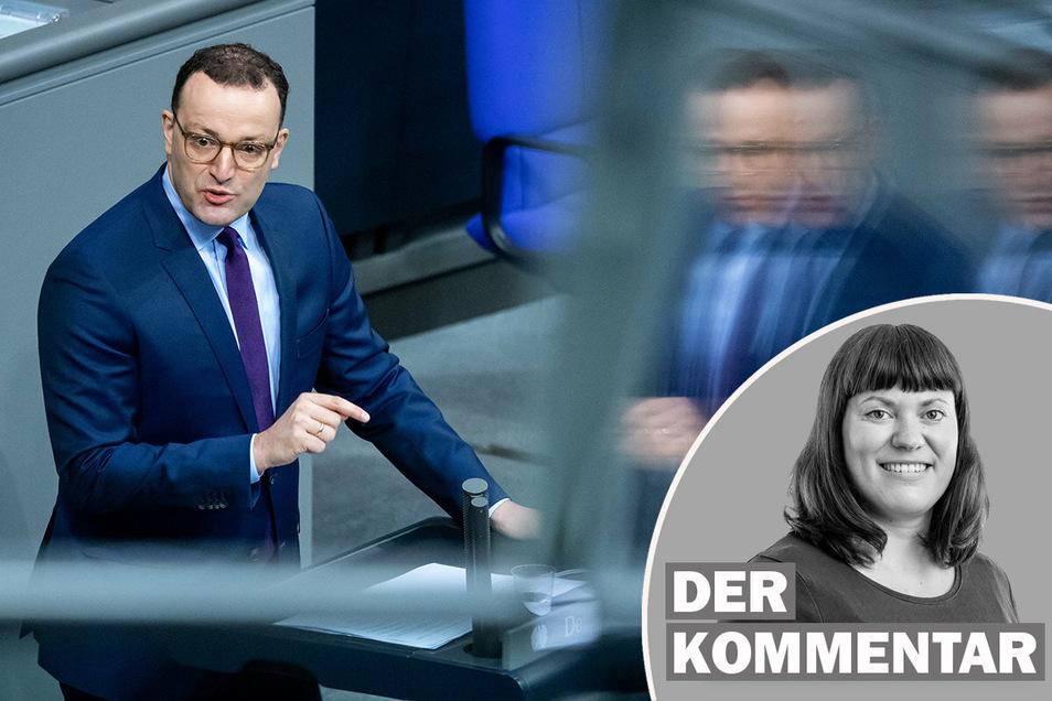 """Bundesgesundheitsminister Jens Spahn (CDU) sieht Veranstaltungen mit mehr als 10 bis 15 Menschen wie Weihnachtsfeiern und andere Geselligkeiten """"in diesem Winter nicht mehr""""."""