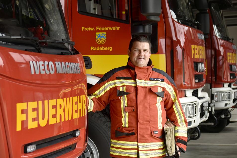 Radebergs Feuerwehrchef Frank Höhme ist seit über 25 Jahren Mitglied der Wehr. Er hofft, dass am Wochenende möglichst viele auf das Festgelände rings um das Gerätehaus am Bruno-Thum-Weg kommen.