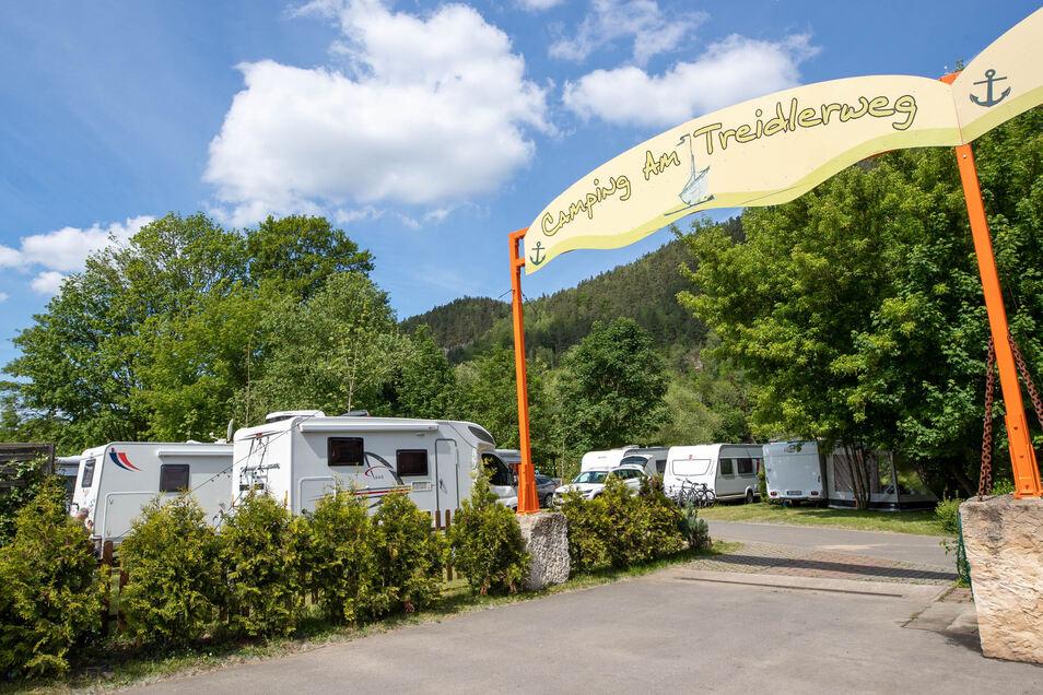 Alles voll über Himmelfahrt auf dem Campingplatz am Treidlerweg in Königstein.