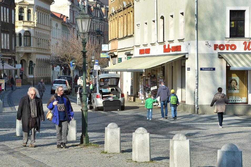 Vorerst letzter Einkaufsbummel in der Löbauer Innenstadt: allzu viel ist nicht los gewesen am Mittwochnachmittag.
