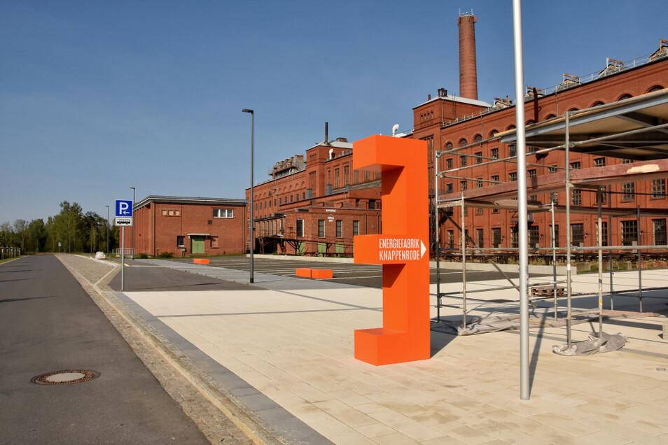 """Die großen """"E"""" leiten in Knappenrode die Besucher bis zum Parkplatz an der Energiefabrik."""