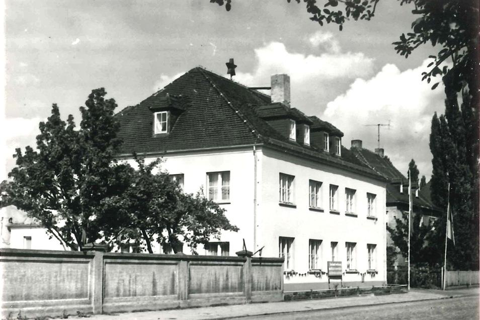 So sah das Haus auf der Siegfried-Rädel-Straße 1974 aus. Wer kannte es damals von innen?