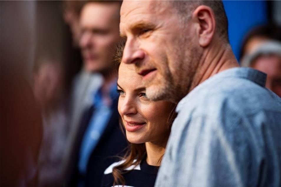 """Yvonne Catterfeld und Götz Schubert kamen am Montagabend persönlich zur Vorpremiere des Wolfsland-Films """"Irrlichter""""."""