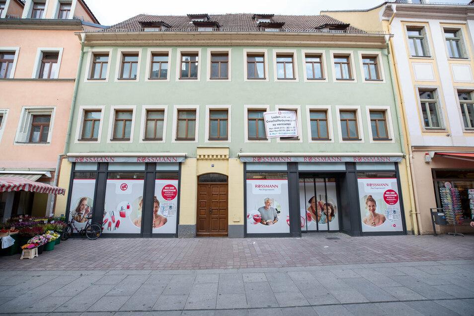Der Drogerie-Markt Rossmann ist von der Dohnaischen Straße ins neue Scheunenhofcenter gezogen.
