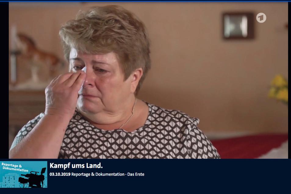 Martina Angermann hat in einem emotionalen Beitrag in der ARD auf den Netto-Vorfall in Arnsdorf zurückgeblickt. Die Reportage ist in der ARD-Medioathek zu finden.