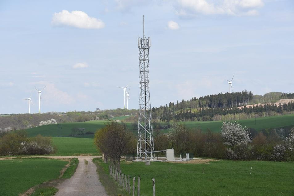 So ähnlich wie dieser Turm bei Obercarsdorf könnte der Mast in Lauterbach aussehen.
