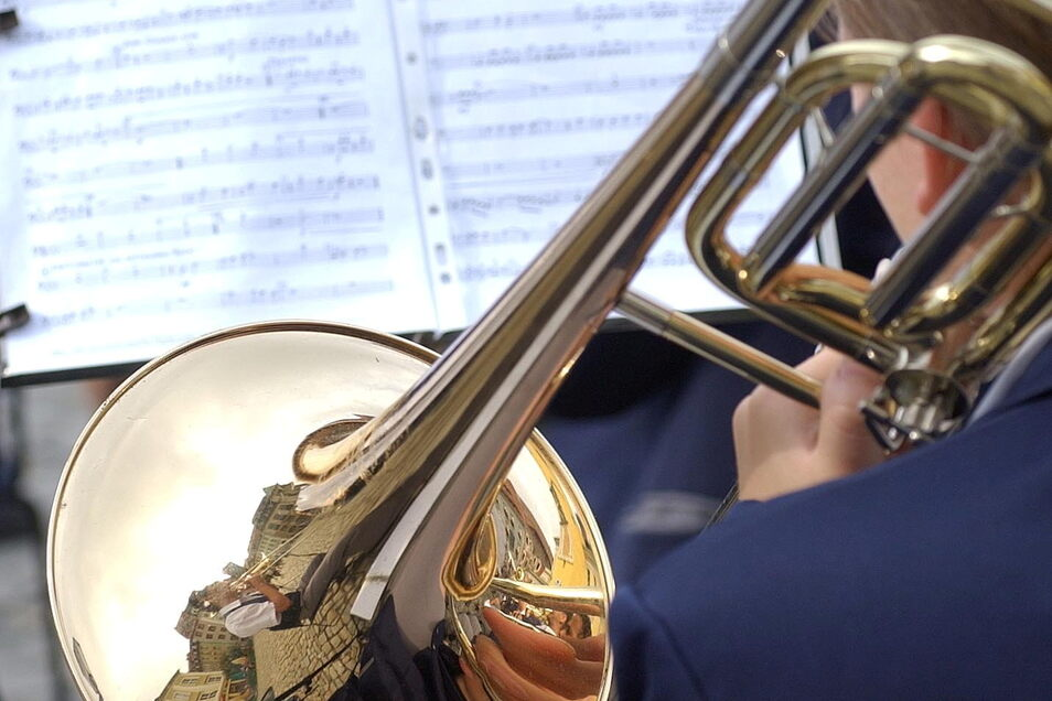 Das Jugendblasorchester Bautzen spielt am 12. September anlässlich seines Jubiläums im Spreepark in Bautzen.