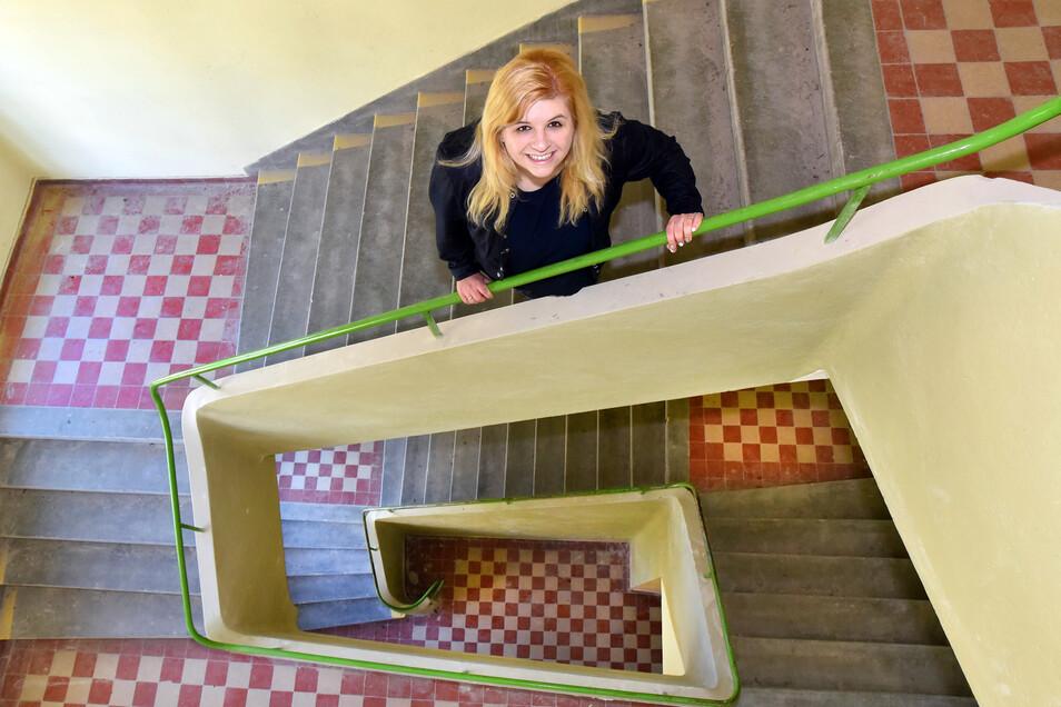 Das Treppenhaus lässt in Form und Design den Architekten Hans Sharoun erkennen. Das Haus ist noch in gutem Zustand.
