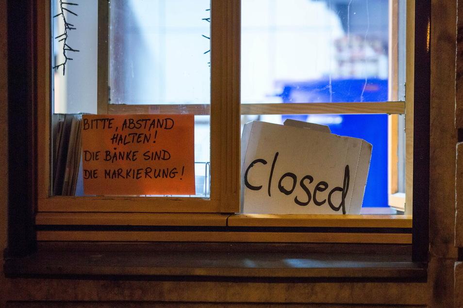 Alles richtig gemacht: Dieses Lokal auf der Görlitzer Straße hatte rechtzeitig geschlossen.
