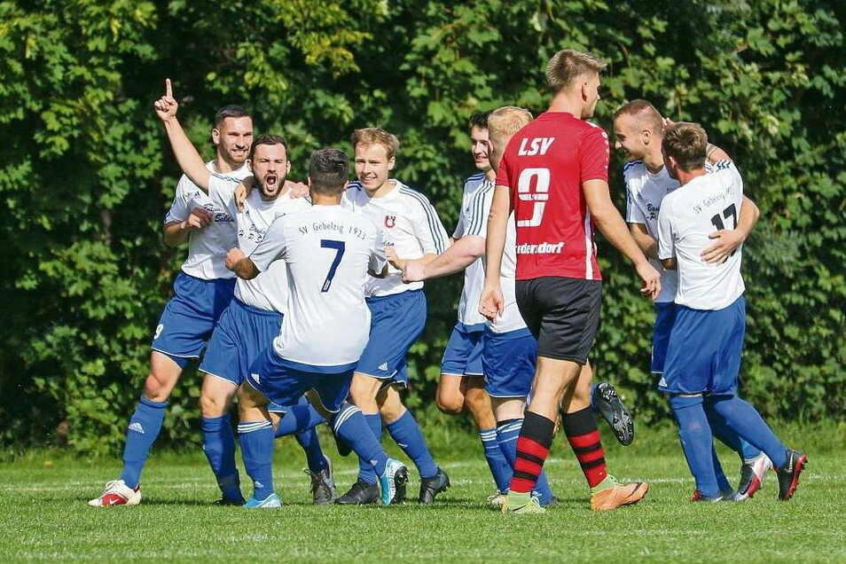 Das vermissen die Fußballer am meisten: die positiven Emotionen, hier nach einem Gebelziger Tor in einem Kreisoberligaspiel gegen den LSV Friedersdorf. Zur neuen Saison soll es so etwas wieder geben, vielleicht zuvor schon im Kreispokal.