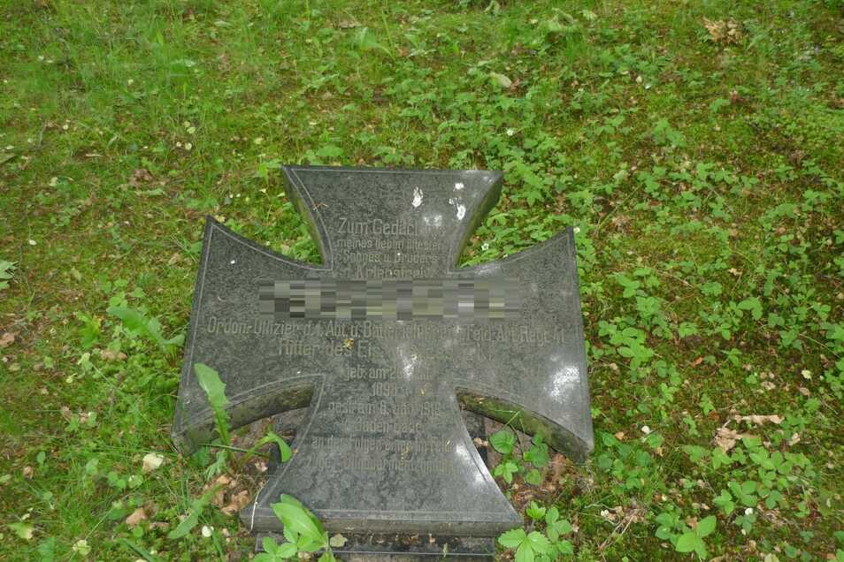 Foto der gestohlenen Grabsteinplatte