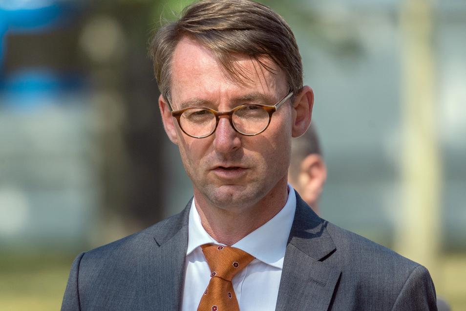 Sachsens Innenminister Roland Wöller (CDU) kommt nach Altenberg.
