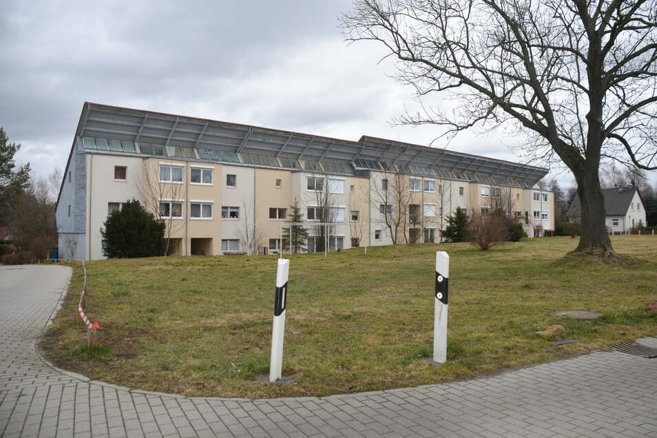 Beim Bau der Häuser an der Schul- und Mittelstraße 1995 nahm Reichenbach einen Kredit in Höhe von rund 22 Millionen D-Mark auf. Das Geld ist noch lange nicht abbezahlt.