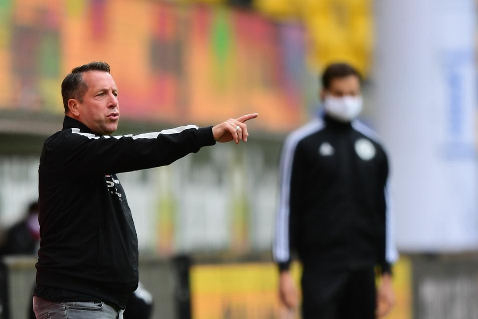 Bis auf eine Änderung setzt Dynamos Trainer Markus Kauczinski auf die Anfangself, die vor 84 Tagen den FC Erzgebirge Aue mit 2:1 besiegte.