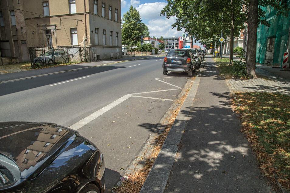 Bahnhofstraße: Wer der Glückliche wohl ist, der diesen freien, kostenlosen Parkplatz findet? Davon gibt es in Görlitz nicht mehr viele.