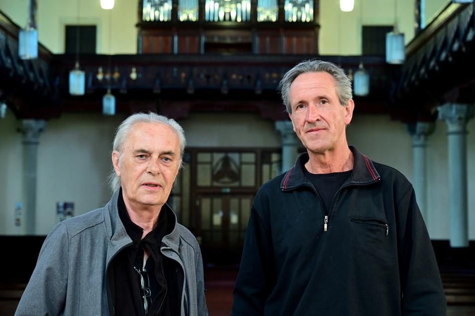Sänger Werther Lohse und Organist André Jolig in der Christuskirche Freital-Deuben.