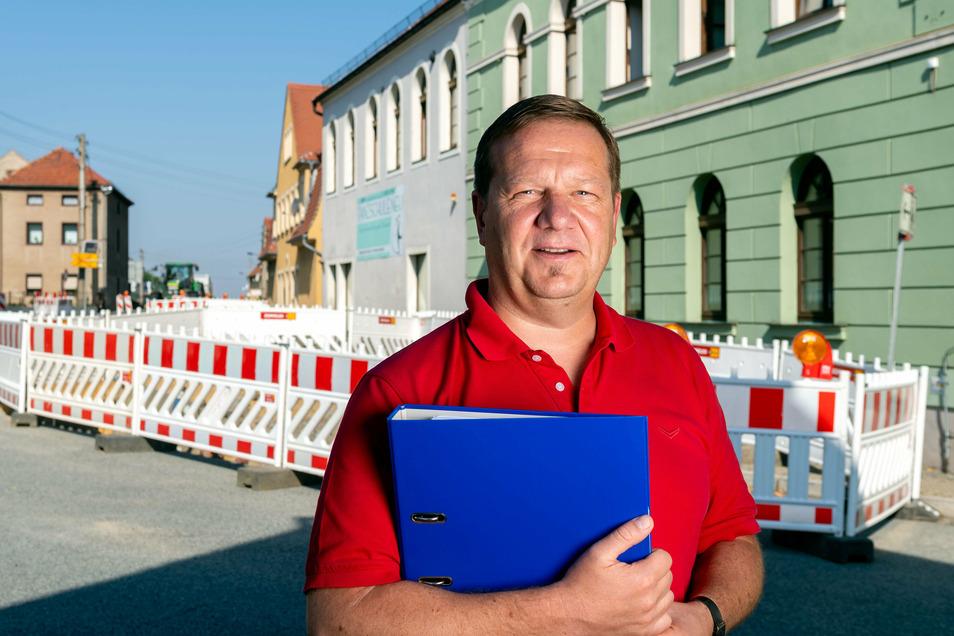 Weil Hochkirchs Bürgermeister Norbert Wolf zeitig mit den Planungen für die Trinkwassererschließung von Wuischke und Neuwuischke begann, profitiert die Gemeinde als eine der ersten vom neuen Förderprogramm. Die Bauarbeiten haben bereits begonnen.