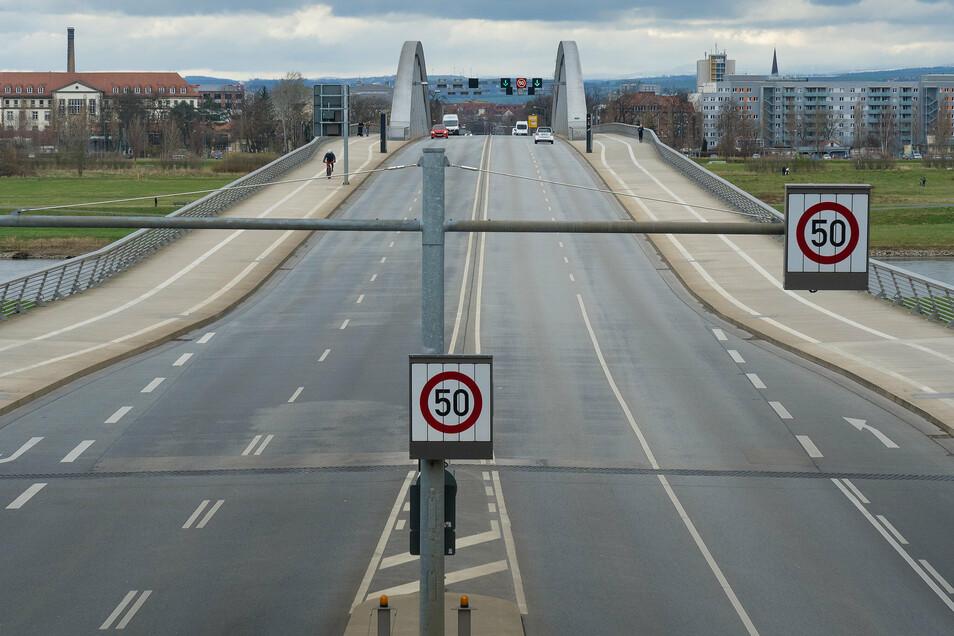 Dieses Bild bot sich während der Coronakrise im März dieses Jahres. Auf der Brücke waren viel weniger Autos zu sehen.
