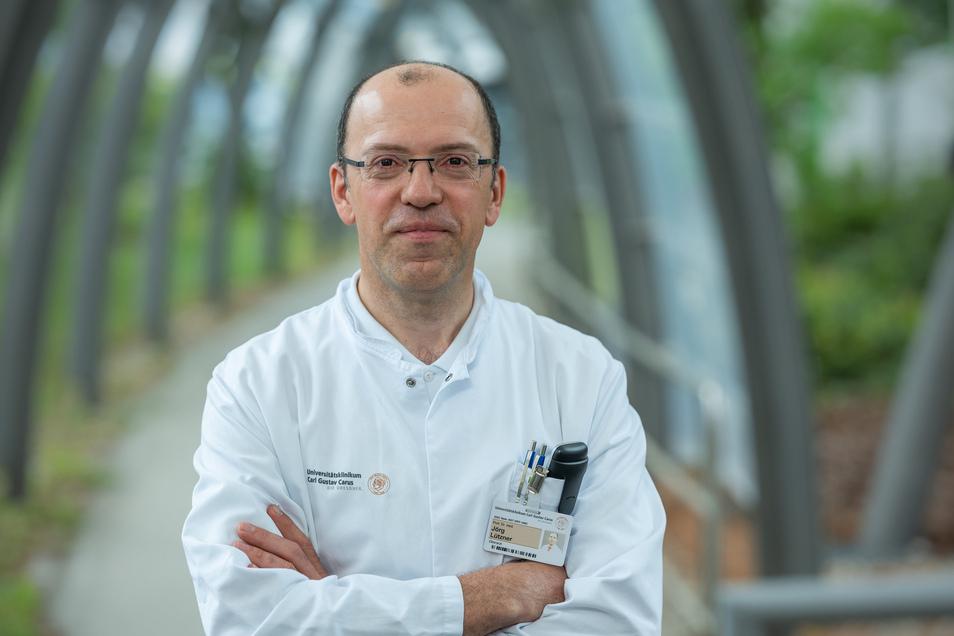 Professor Jörg Lützner leitet das Endoprothetikzentrums am Dresdner Uniklinikum.