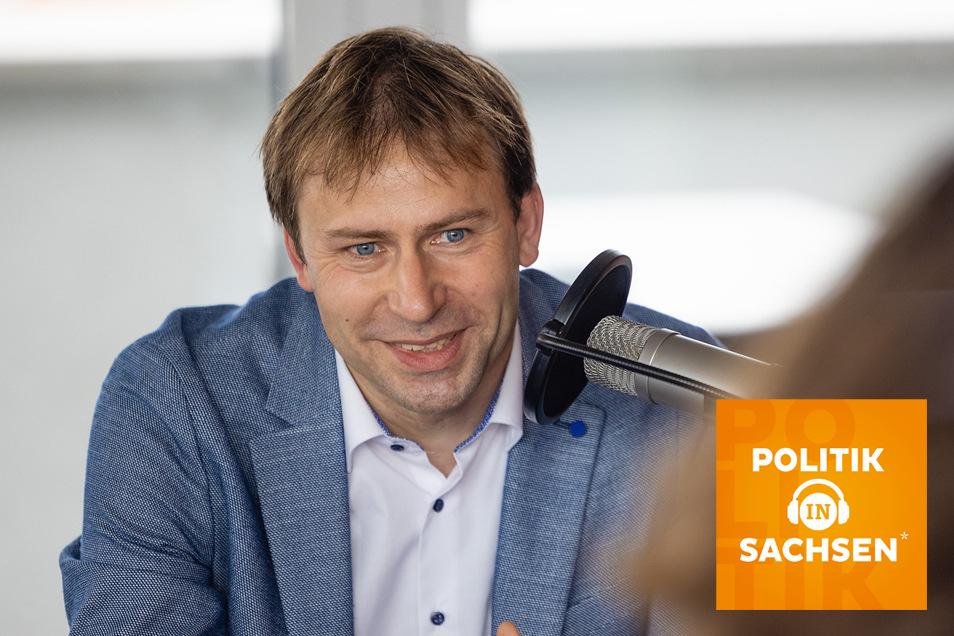 """Holger Mann, Spitzenkandidat der SPD in Sachsen für die Bundestagswahl, ist zu Gast im Podcast """"Politik in Sachsen""""."""