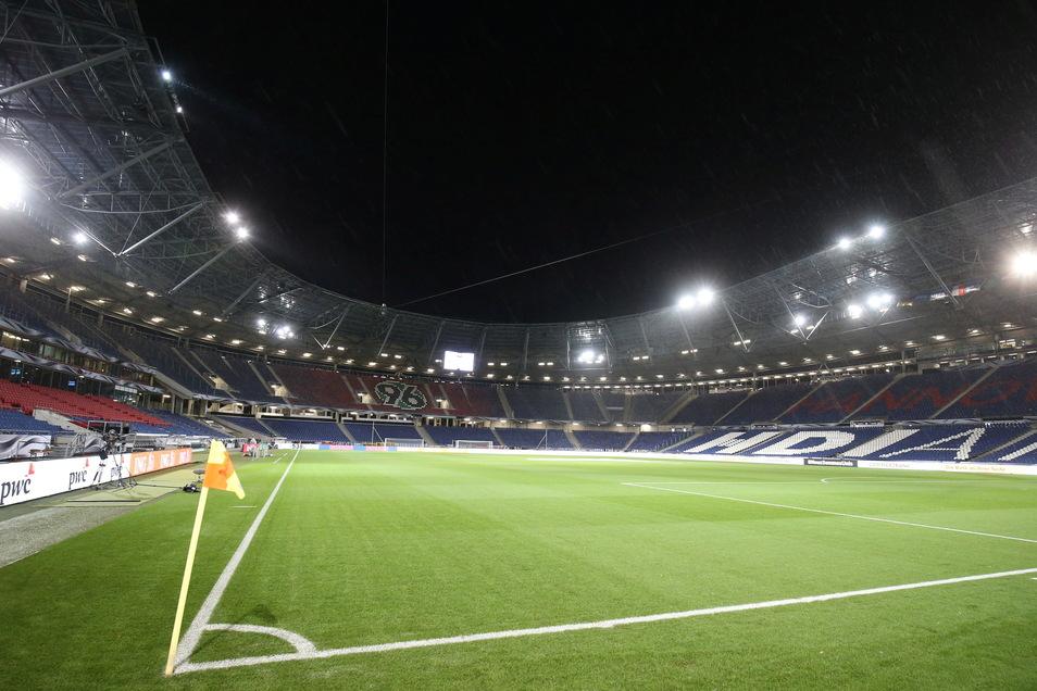 Hannover 96 | HDI Arena | Kapazität: 49.000 | Auslastung: 24.500 | Auslastung in Prozent: 50.