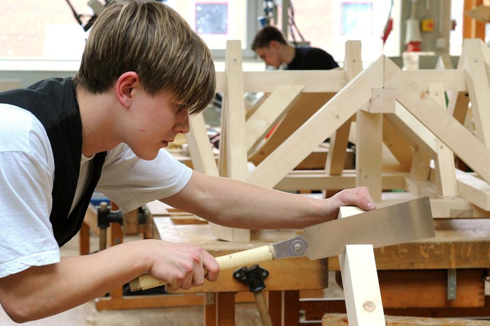 Für Bauberufe interessieren sich imme weniger junge Leute. Die Situation im Landkreis Meißen ist dramatisch.